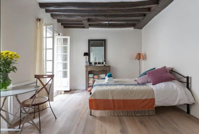 Studio apartment in the Marais, Paris